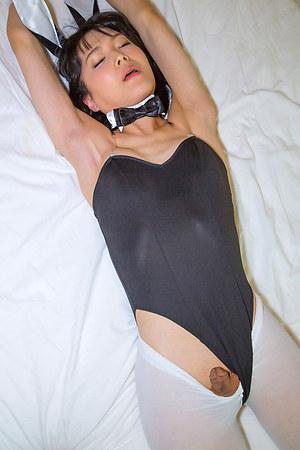 Petite, sweet, timid and horny - Yoko Arisu